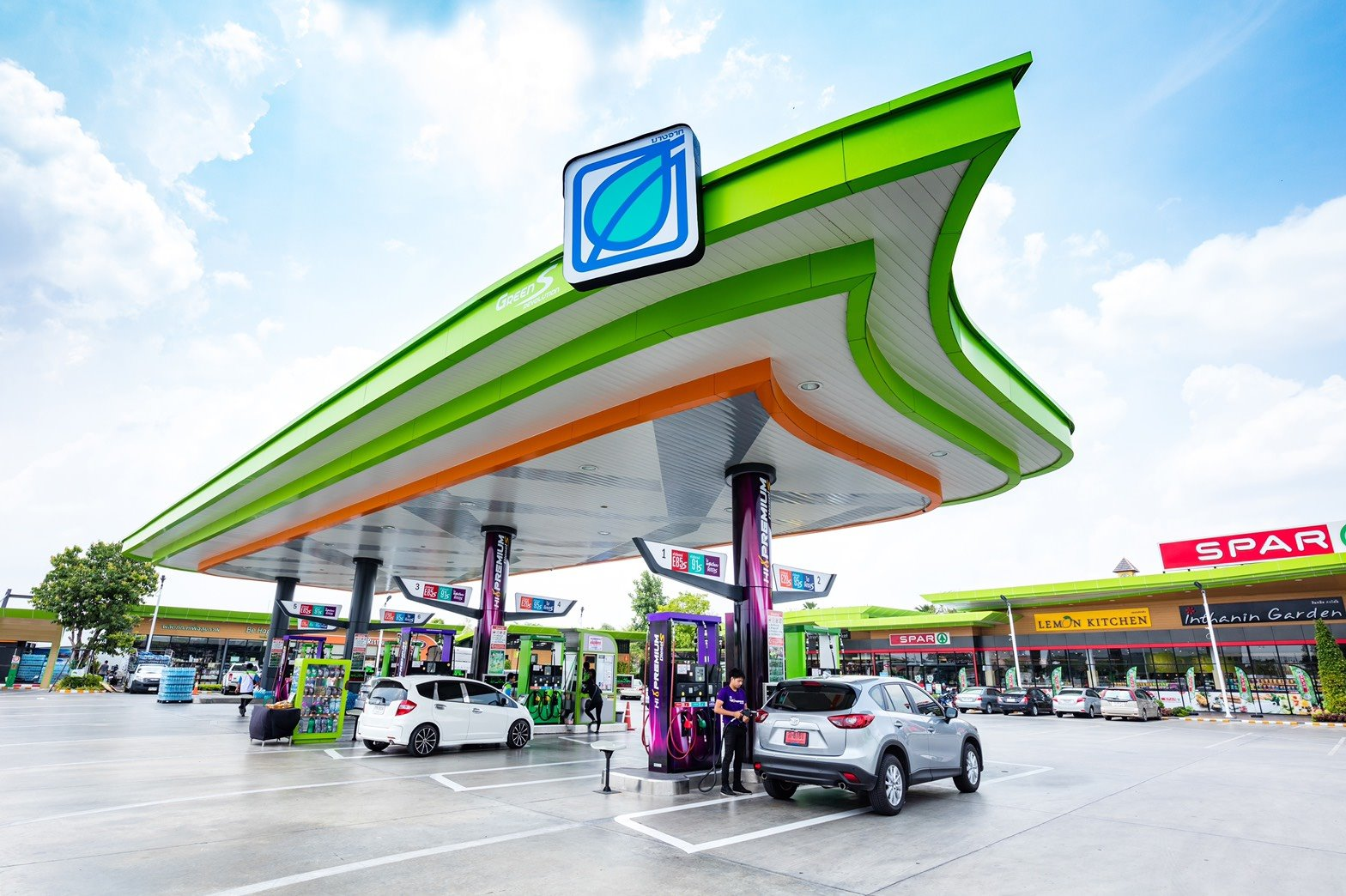 Bangchak Delivers Happy New Year by Pegging Petrol Prices and Promoting Safety